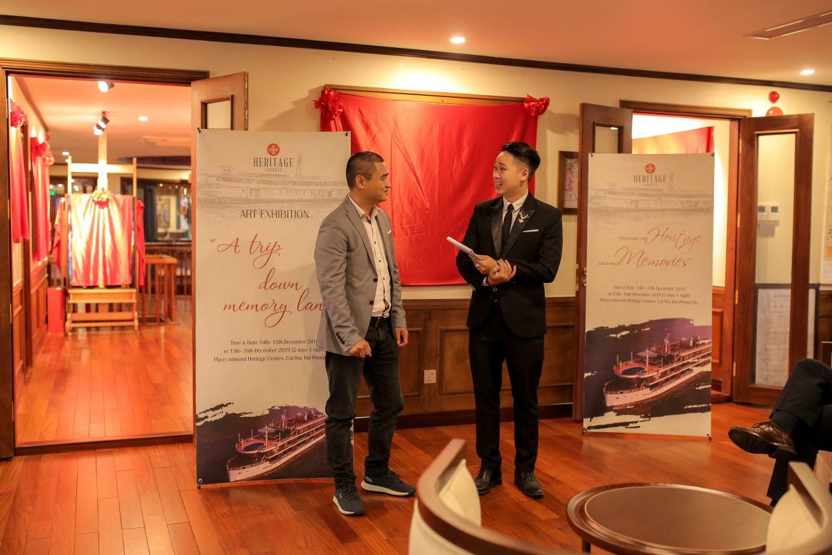 Mr. Pham Ha starts the art exhibition of Pham Luc Artist